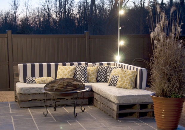 Diy pallet sofa ideas and plans pallet ideas recycled upcycled pallets furniture projects - Sofas palets jardin ...