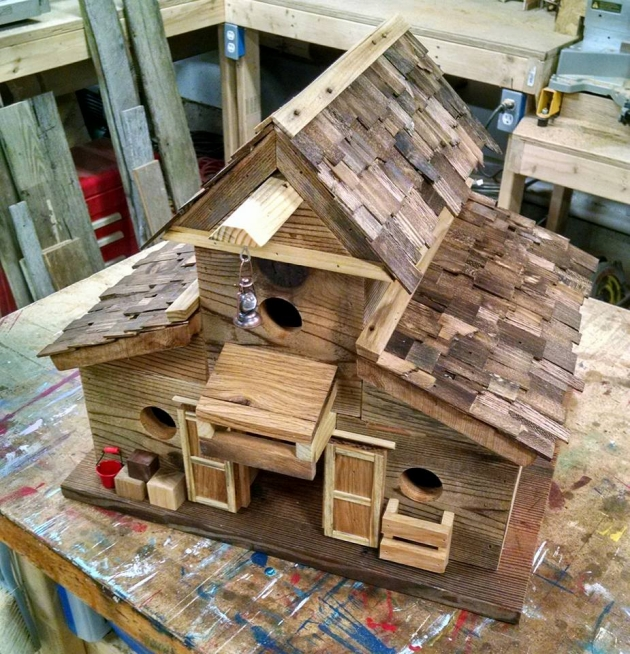 Pallet Wood Bird House