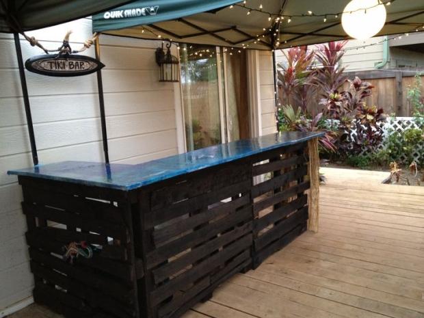 Wood Pallet Bar