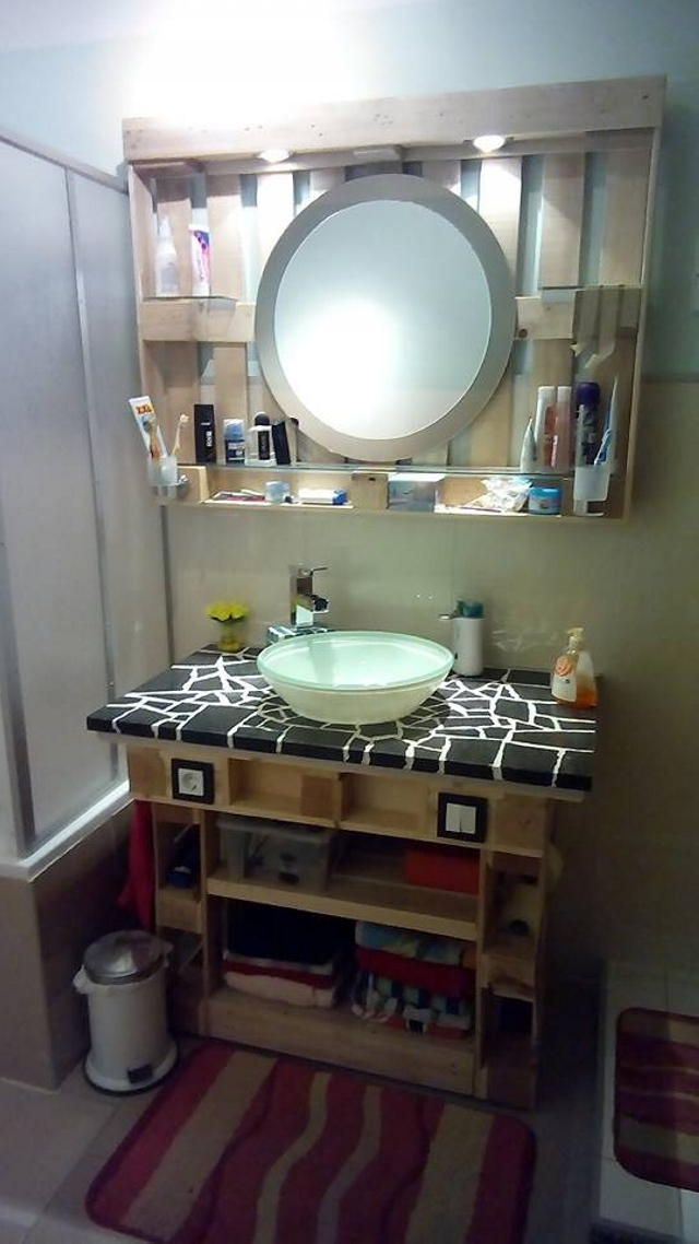 Wood Pallets in Bathroom