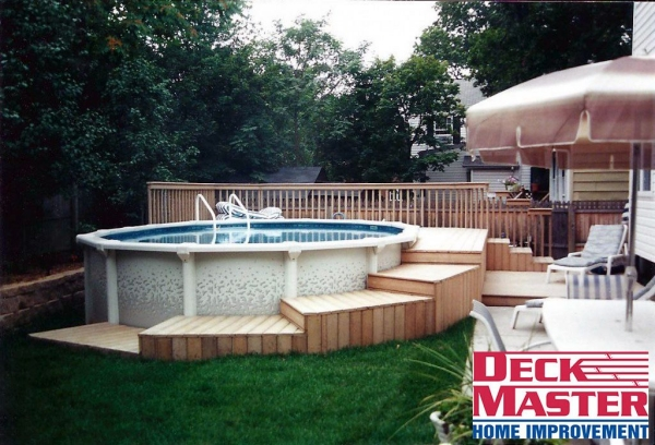 Pallet hot tub and pool deck ideas pallet ideas for How to make a pallet deck