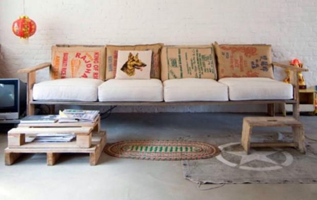 how to make a sofa bed from pallets