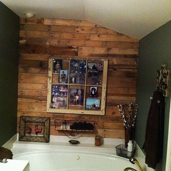 Using old pallets for bathroom pallet ideas recycled for Wood bathroom wall decor
