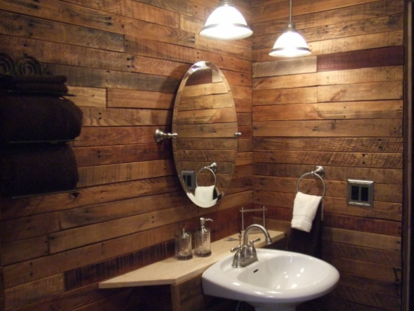 Using old pallets for bathroom pallet ideas recycled for Pallet shower wall