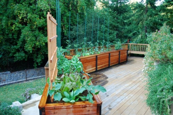 Recycled Pallet Raised Garden Bed Planters