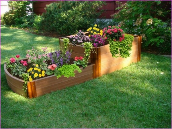 Recycled Wood Pallet Raised Garden Bed