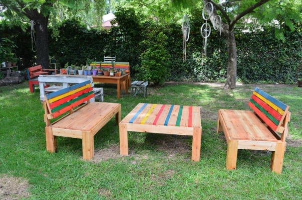 garden furniture with pallets for kids