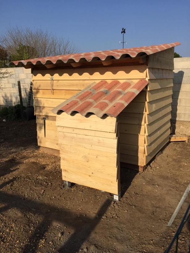 Pallet chicken coop pallet ideas recycled upcycled Chicken coop from pallet wood