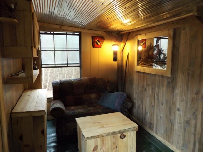 Patio Cabin With Wood Pallets Pallet Ideas