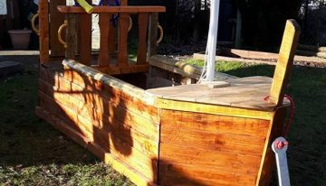 Pallet Boat Playhouse for Kids