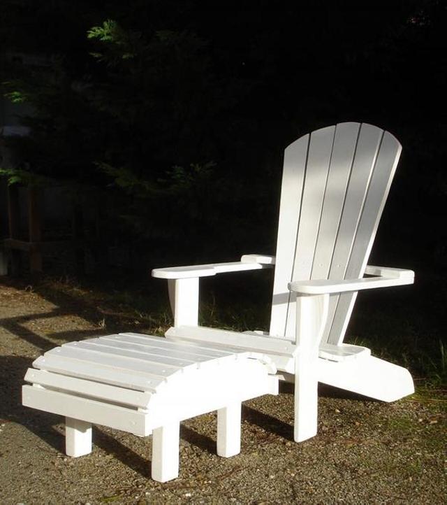 DIY Pallet Footstool Chair