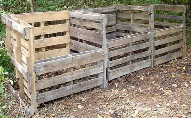 how to make a compost pile with pallets