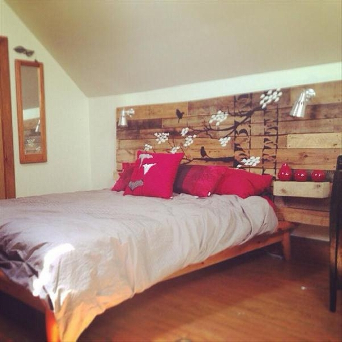 Pallet Bed Headboard With Shelves