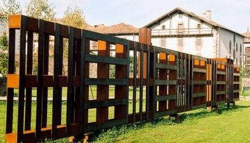 Pallet Picket Fence Ideas
