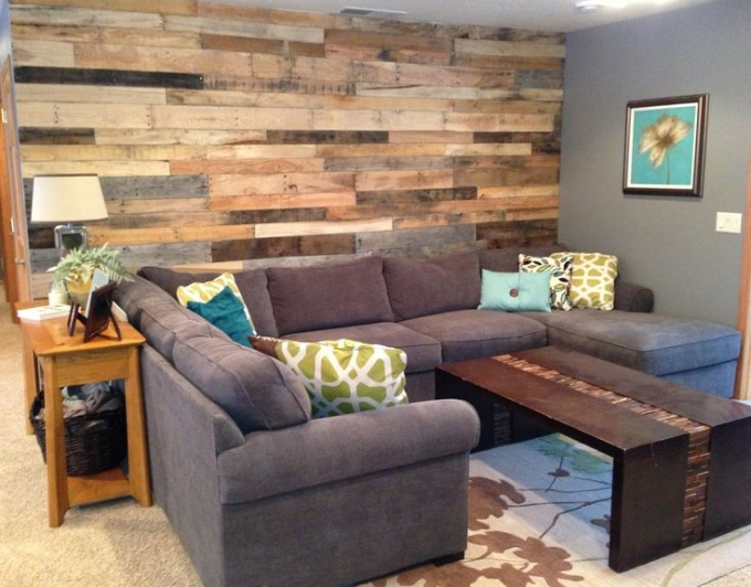 Pallet wall art ideas pallet ideas recycled upcycled for Recycled living room ideas
