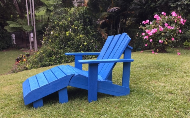 Patio Pallet Footstool Chair