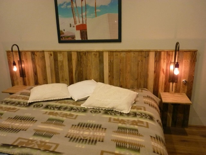 Pallet Bed Headboard With Shelves on Headboards With Shelves And Lights