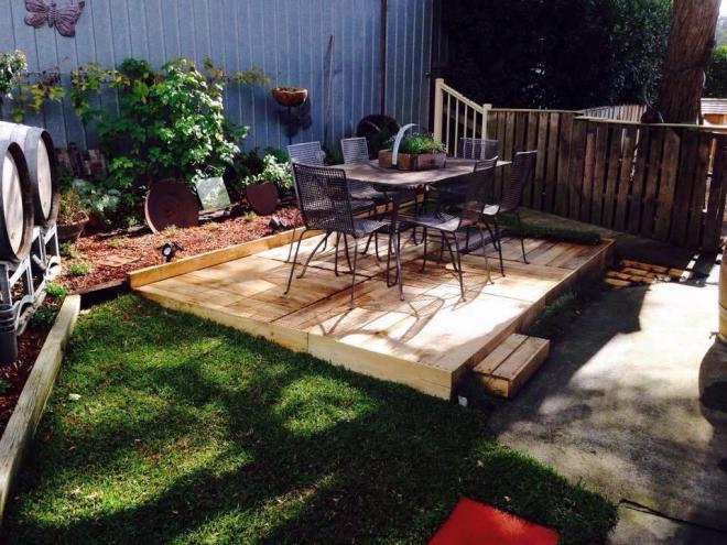 Pallet garden deck floor ideas pallet ideas recycled for Pallet patio floor
