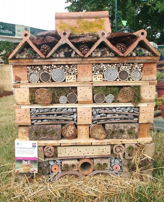 Pallet Made Bugs Insects Houses Pallet Ideas Recycled