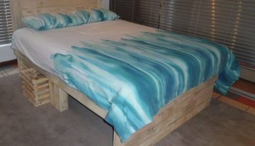 Big Pallet Bed with Headboard