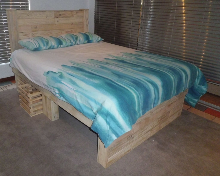 Big Pallet Bed With Headboard Ideas Recycled