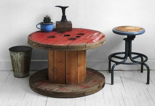 Ideas for pallet round tables pallet ideas recycled for Cable reel table