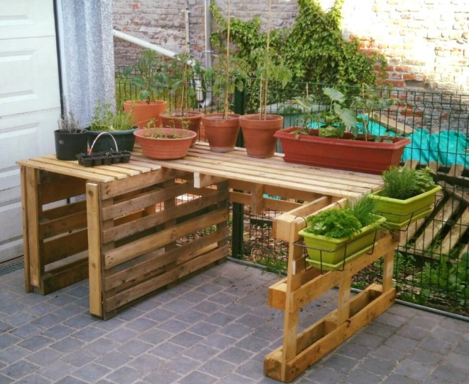 Garden ideas with pallets pallet ideas recycled for Wooden garden decorations