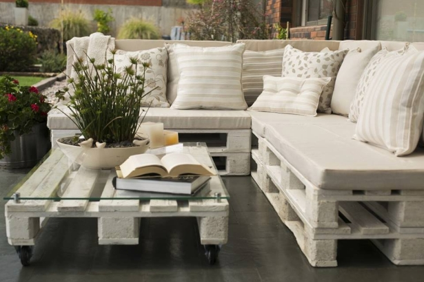 Repurposed wooden pallet ideas pallet ideas recycled - Cojines modernos para sofas ...
