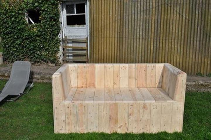 wood pallet garden sofa