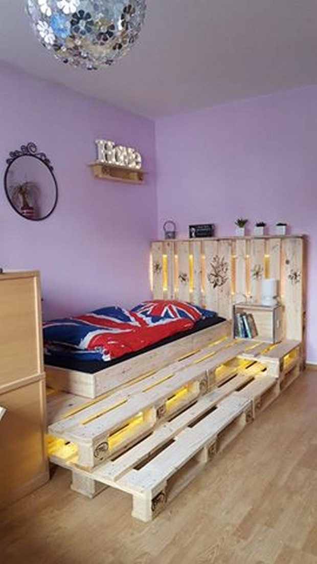 Recycled Pallet Bed With Lights Pallet Ideas