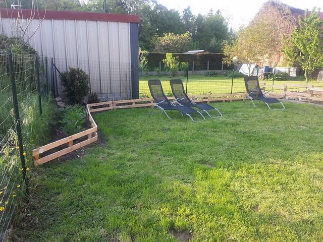 Garden Ideas Pallets: DIY Pallet Planter / Garden Ideas