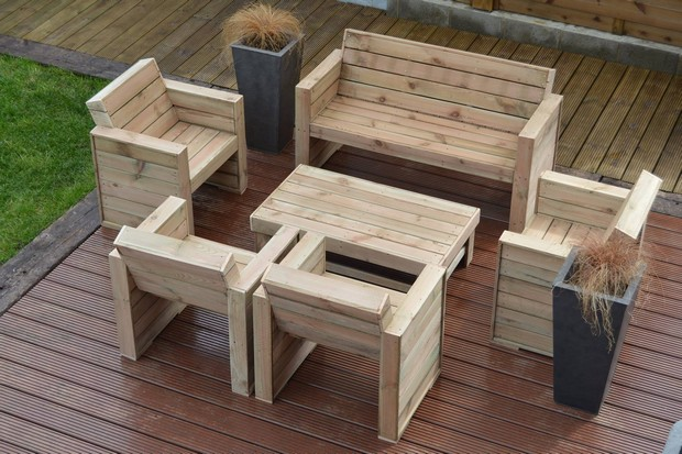 Pallet furniture diy ideas pallet ideas recycled for Sillones de plastico para terrazas