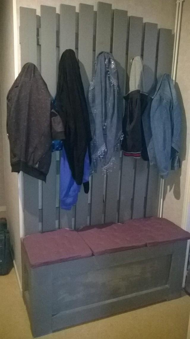 pallet coat hanger