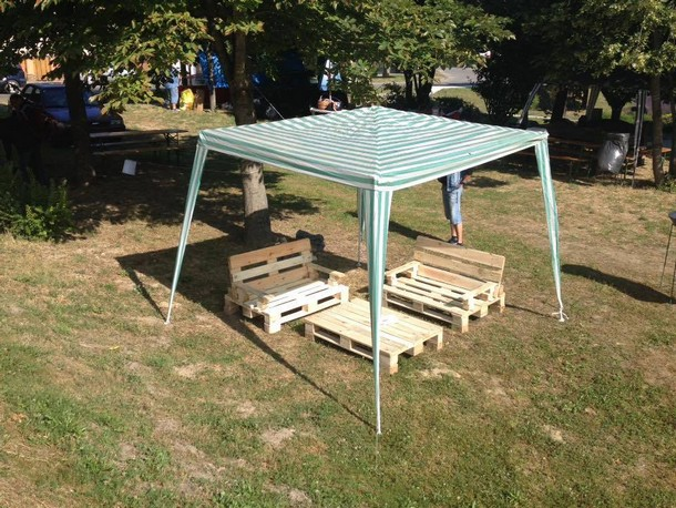 Pallet furniture for outdoor pallet ideas recycled for Wood pallet gazebo