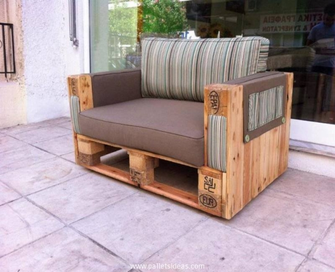 Outdoor furniture from wooden pallets pallet ideas for Mobili outdoor