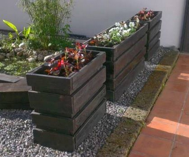 reclaimed pallet planters