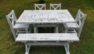 Rustic Barn Look Pallet Furniture