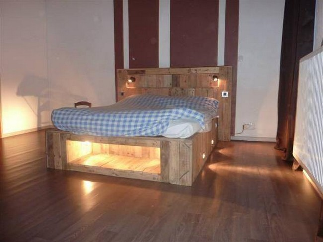 lighted bed from pallet wood