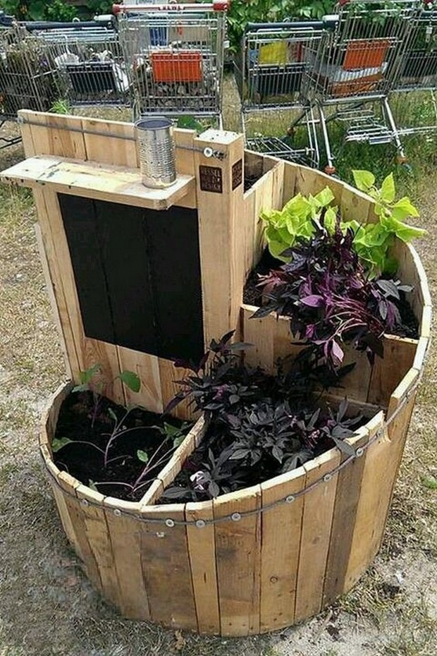 pallet wood ideas for garden pallet ideas recycled