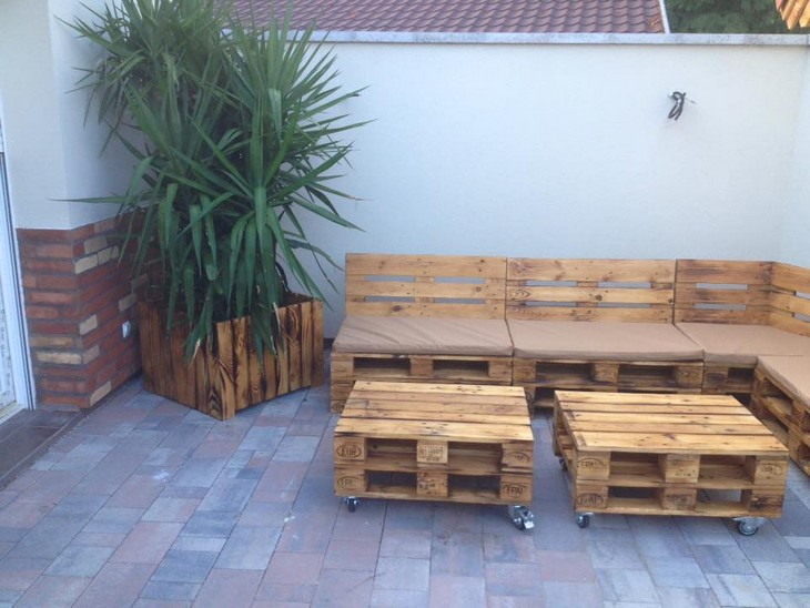 repurposed pallet wood furniture