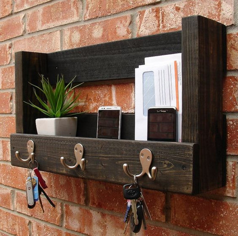 Pallet Rustic Entryway Mail Key Organizer