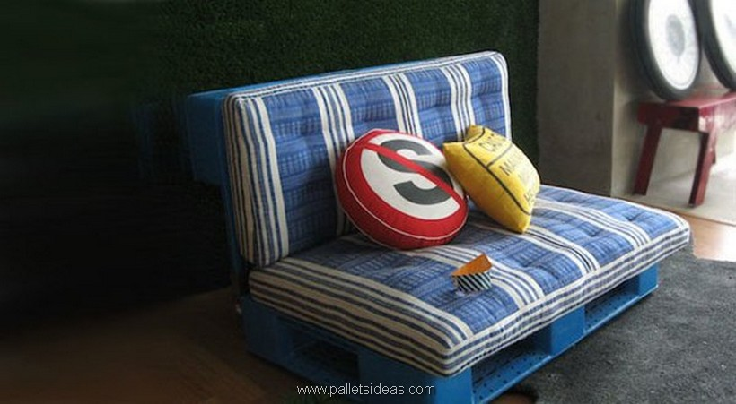 cushioned pallet couch