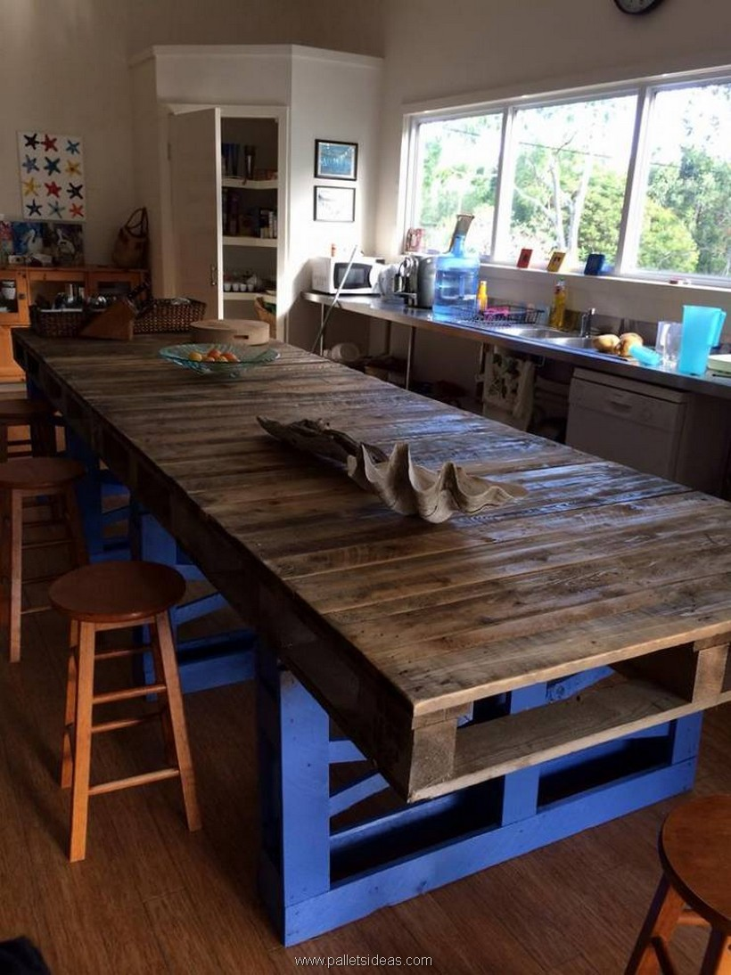 kitchen dinning table made with pallets
