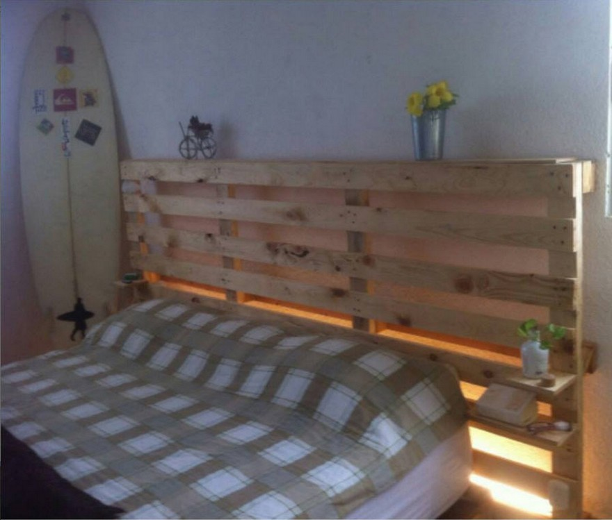Recycled Wood Pallet Bed With Light Effects Pallet Ideas