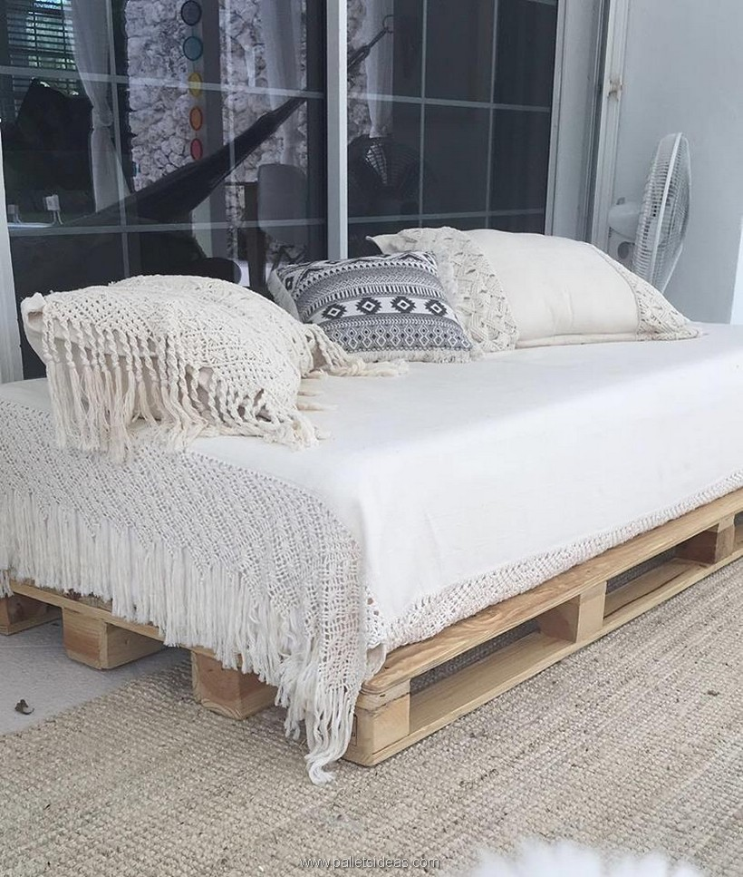 pallet daybed plan