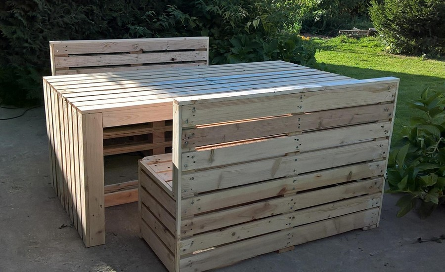 pallet garden furniture. Recycled Pallet Patio Table with Benches   Pallet Ideas