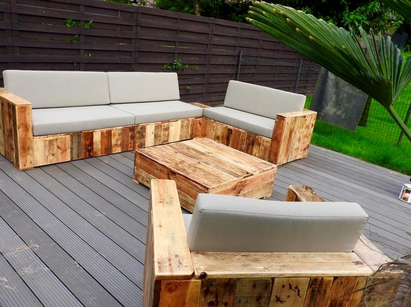 Beautiful pallet wood patio furniture pallet ideas for Mobilier exterieur en bois de palette