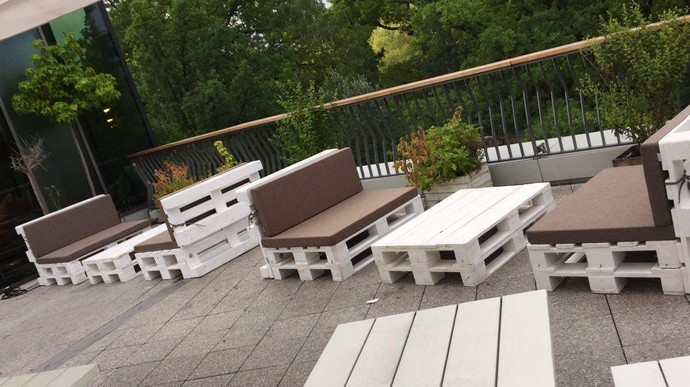 pallet recycled for patio furniture