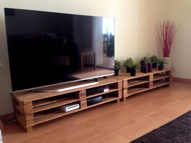 pallet tv cabinet with planter