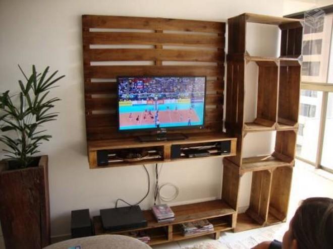 pallet tv holder